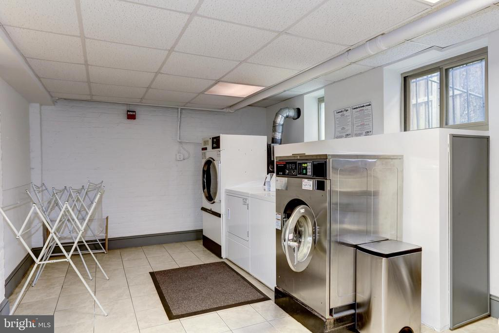The building also has a shared laundry room - 105 6TH ST SE #105, WASHINGTON