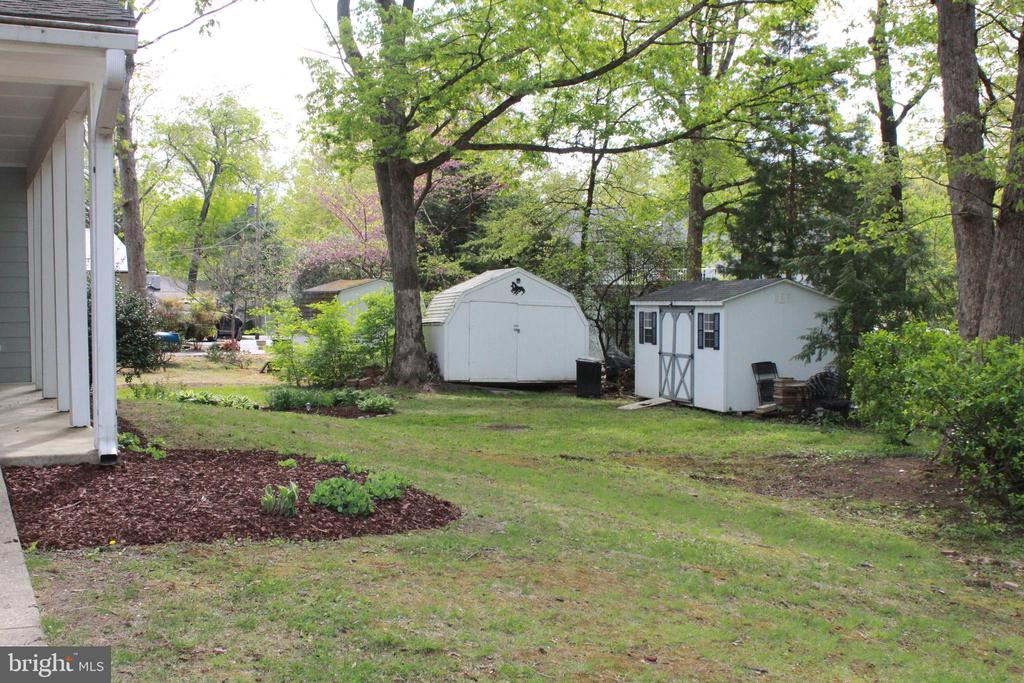 Right side of house, showing 2 sheds - 9005 CHERRYTREE DR, ALEXANDRIA