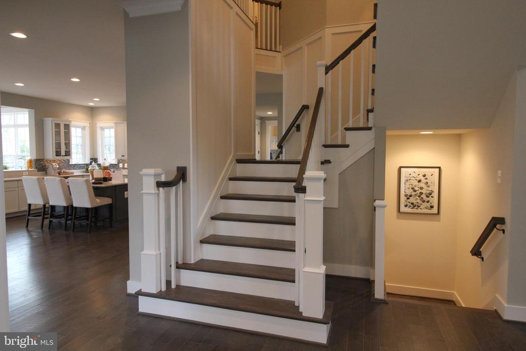Dual Staircase Leading up & Basement Stairs - 12245 CLIFTON POINT RD, CLIFTON