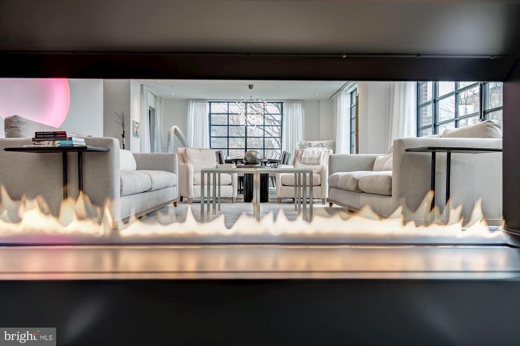 Open fireplace - 1055 WISCONSIN AVE NW #2W, WASHINGTON