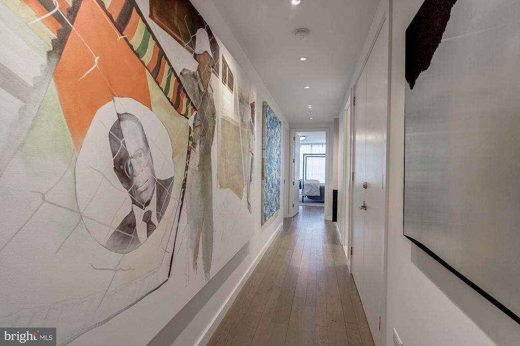 Hallway - 1055 WISCONSIN AVE NW #2W, WASHINGTON