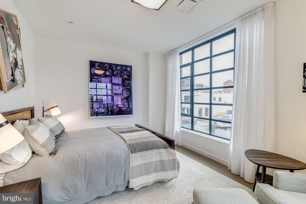 Bedroom 3, ensuite - 1055 WISCONSIN AVE NW #2W, WASHINGTON