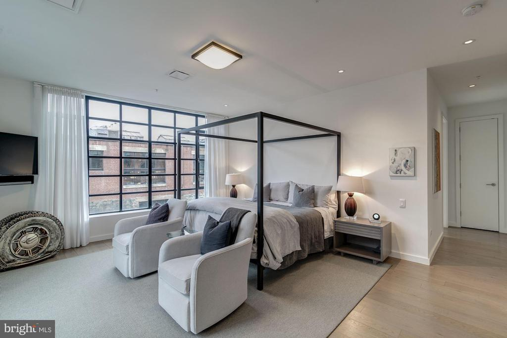 Master bedroom - 1055 WISCONSIN AVE NW #2W, WASHINGTON