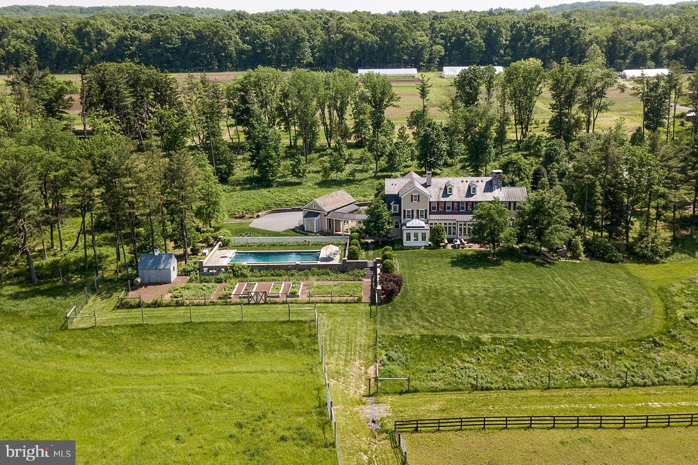 Частный односемейный дом для того Продажа на 1459 GREAT Road Skillman, Нью-Джерси 08558 Соединенные ШтатыВ/Около: Montgomery Township