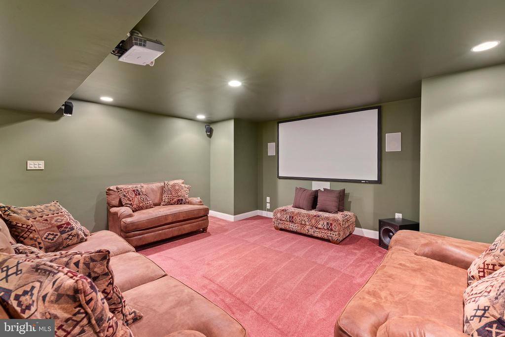 Your Own Theater Area!- Just Add Popcorn! - 12515 SINGLE OAK RD, FREDERICKSBURG