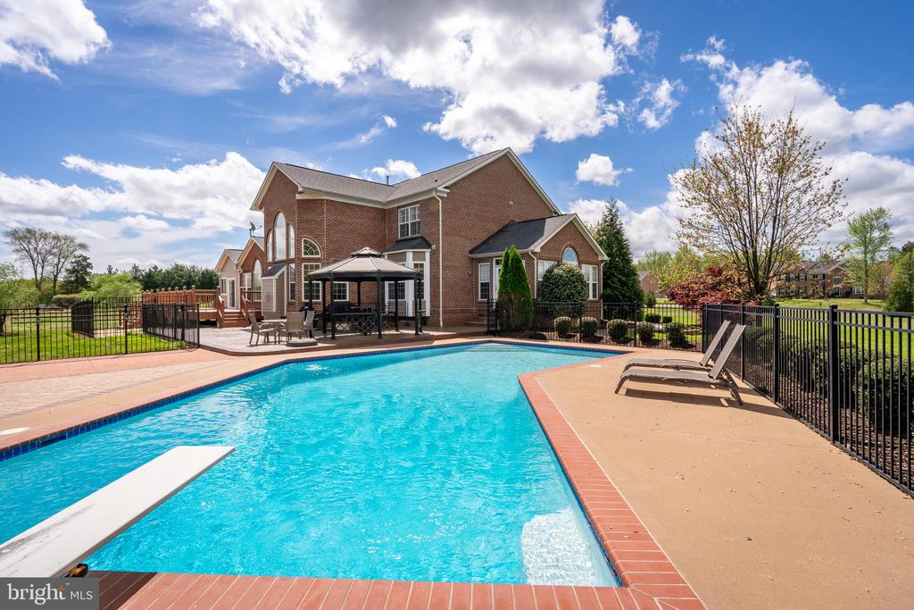 Enjoy Your Own In-Ground Pool w/Diving Board - 12515 SINGLE OAK RD, FREDERICKSBURG