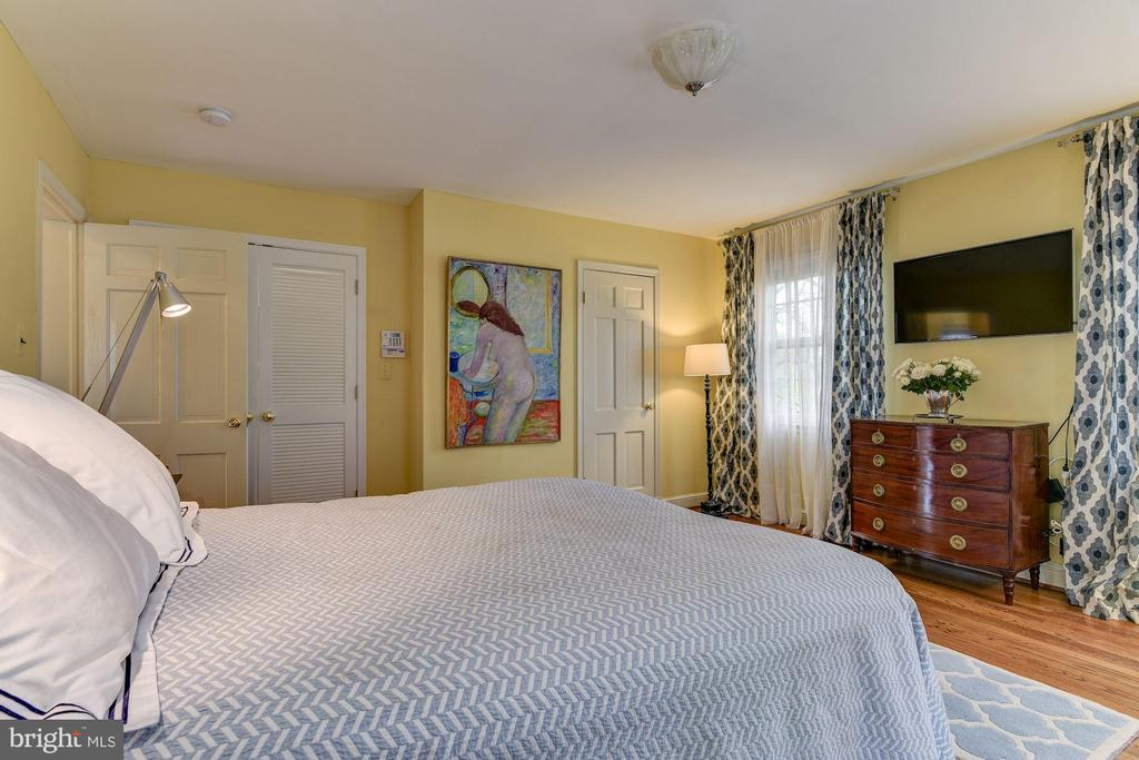 Master bedroom - 6006 COREWOOD LN, BETHESDA
