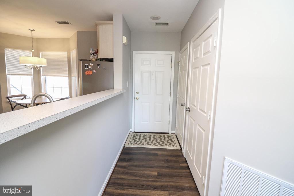 Foyer Entry - 25280 LAKE SHORE SQ #304, CHANTILLY