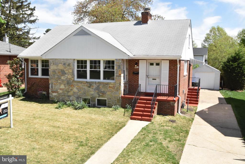 Arlington Homes for Sale -  City View,  617 N ILLINOIS STREET
