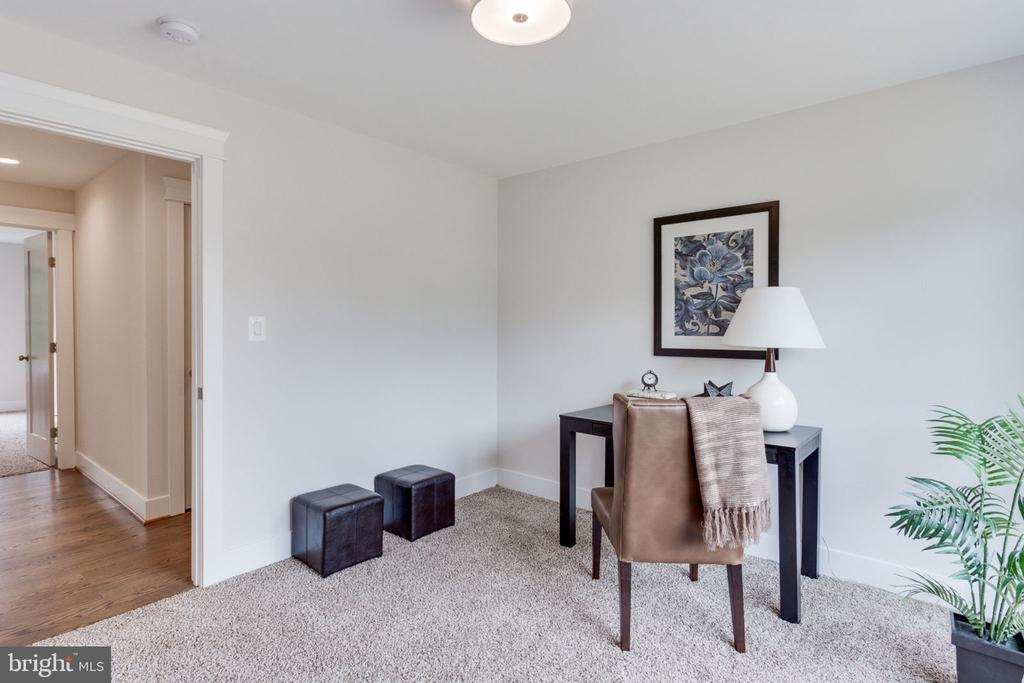 2nd Bedroom/Office on Main Level - 505 PRINCESS CT SW, VIENNA