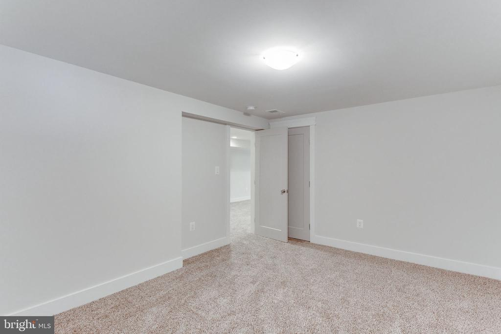 Additional Room Could be Bedroom - 505 PRINCESS CT SW, VIENNA