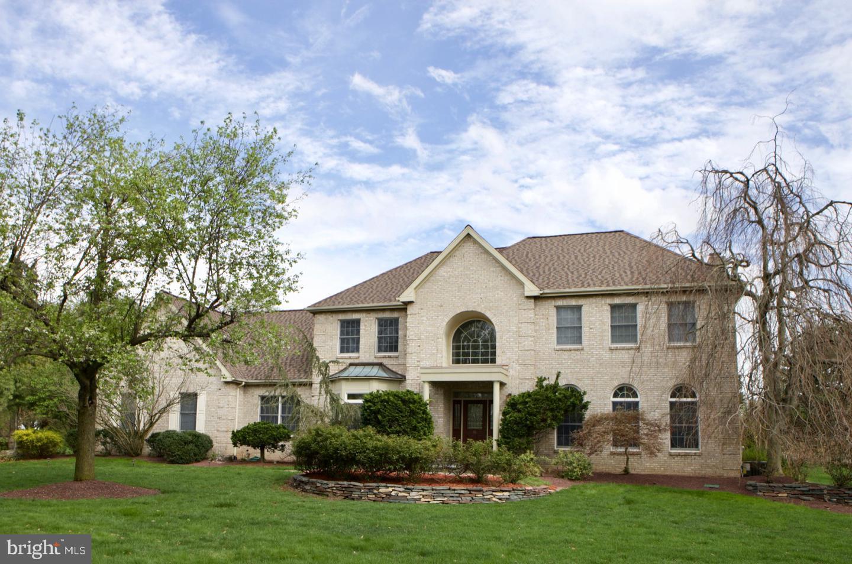 Villa per Vendita alle ore 16 N LONGFELLOW Drive Princeton Junction, New Jersey 08550 Stati UnitiIn/In giro: West Windsor Twp, West Windsor Twp