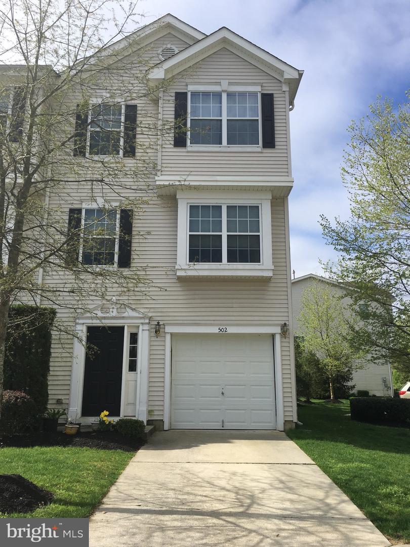 Частный односемейный дом для того Продажа на 502 NOTTINGHAM Place Riverside, Нью-Джерси 08075 Соединенные Штаты