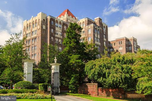 4000 CATHEDRAL AVE NW #248B