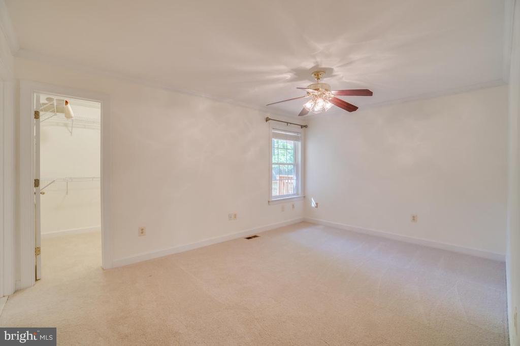 Master Bedroom - brand new carpet hardwood under - 2918 GLENVALE DR, FAIRFAX