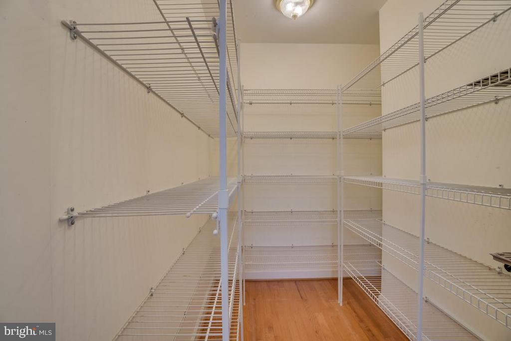 Large walk in kitchen pantry - 2918 GLENVALE DR, FAIRFAX
