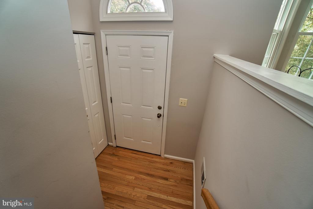 Entry Foyer with Hardwood - 12320 SLEEPY LAKE CT, FAIRFAX
