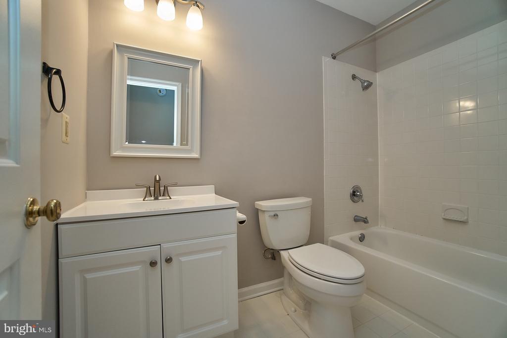 Full Bathroom Lower Level - 12320 SLEEPY LAKE CT, FAIRFAX
