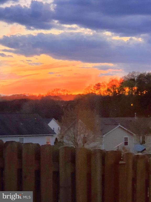 Mesmerizing sunsets to enjoy. - 4152 AGENCY LOOP, TRIANGLE