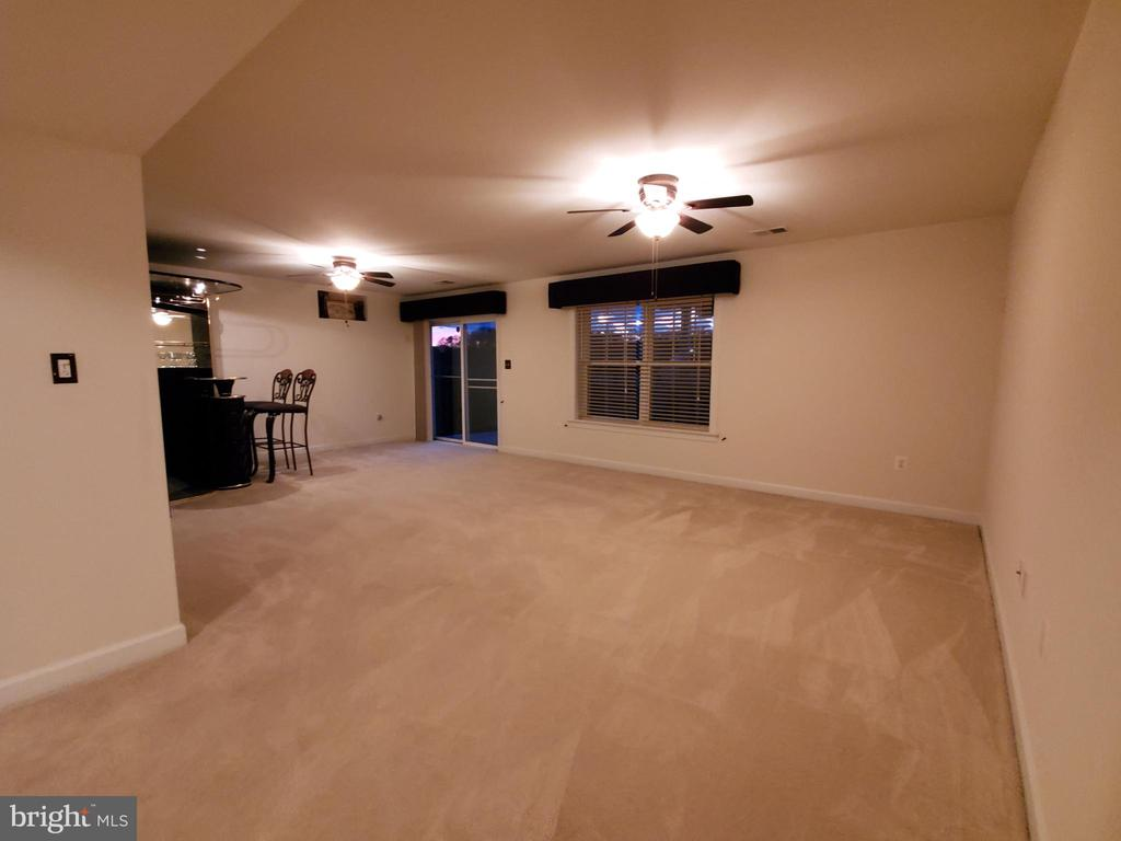 REC RM/Game Room with bar and walkout. - 4152 AGENCY LOOP, TRIANGLE