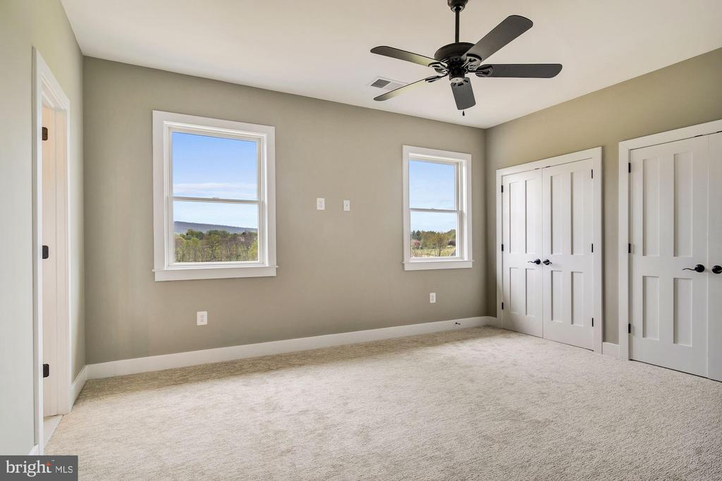 Bedrooms have double closets, ensuite baths & view - 38042 GREENWOOD FARM LN, PURCELLVILLE