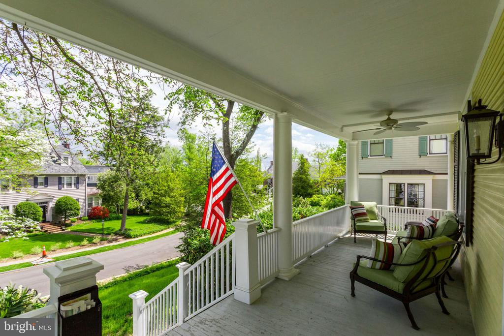 Front porch with amazing view - 300 N VIEW TER, ALEXANDRIA