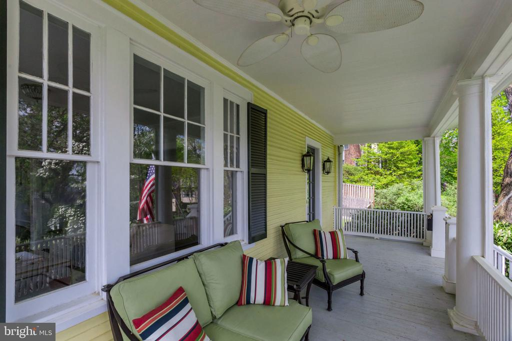 Front porch with ceiling fan - 300 N VIEW TER, ALEXANDRIA