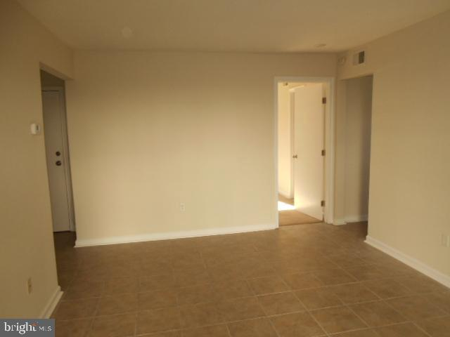 Living Room - 1405 KEY PKWY #101, FREDERICK