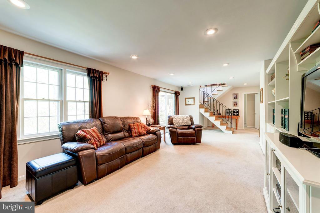 Family Room - 11310 MYRTLE LN, RESTON