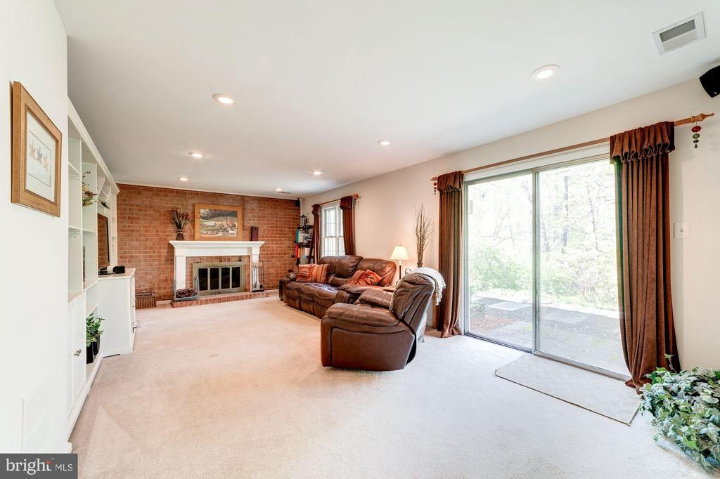 Lower level walk out to back with path - 11310 MYRTLE LN, RESTON