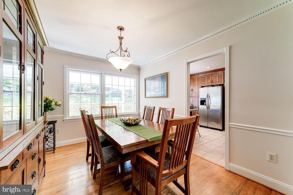 Hardwood floors - 11310 MYRTLE LN, RESTON