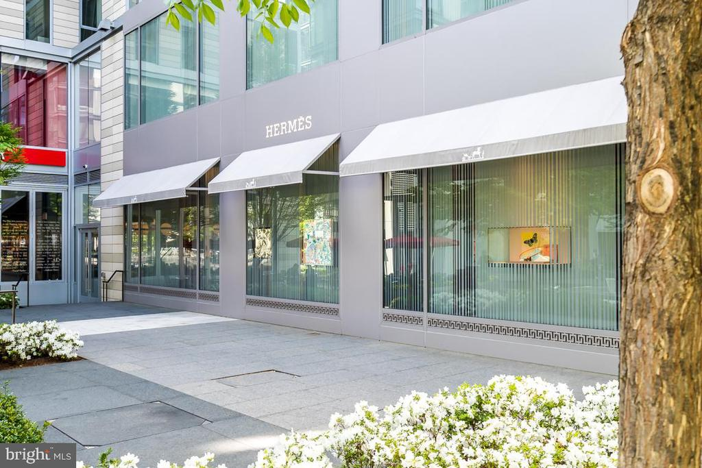 Luxury shopping downstairs - 920 I ST NW #609, WASHINGTON