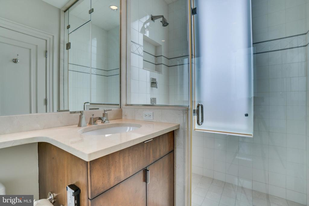 Full En Suite Bathroom for Second Bedroom - 3150 SOUTH ST NW #PH1D, WASHINGTON
