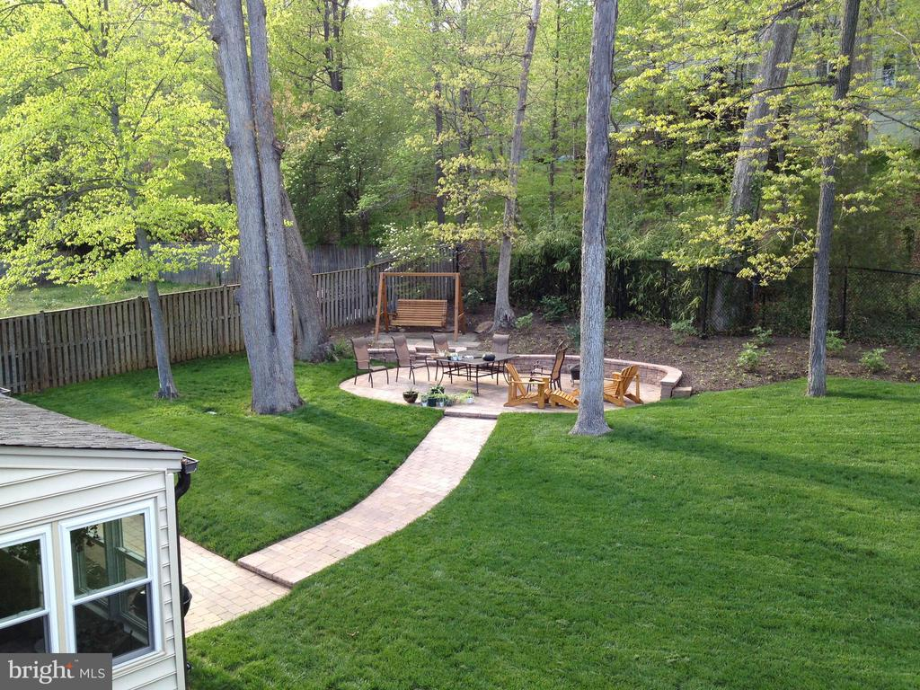 From Sunroom to Rear Yard with brick walk to Patio - 6036 OLD TELEGRAPH RD, ALEXANDRIA