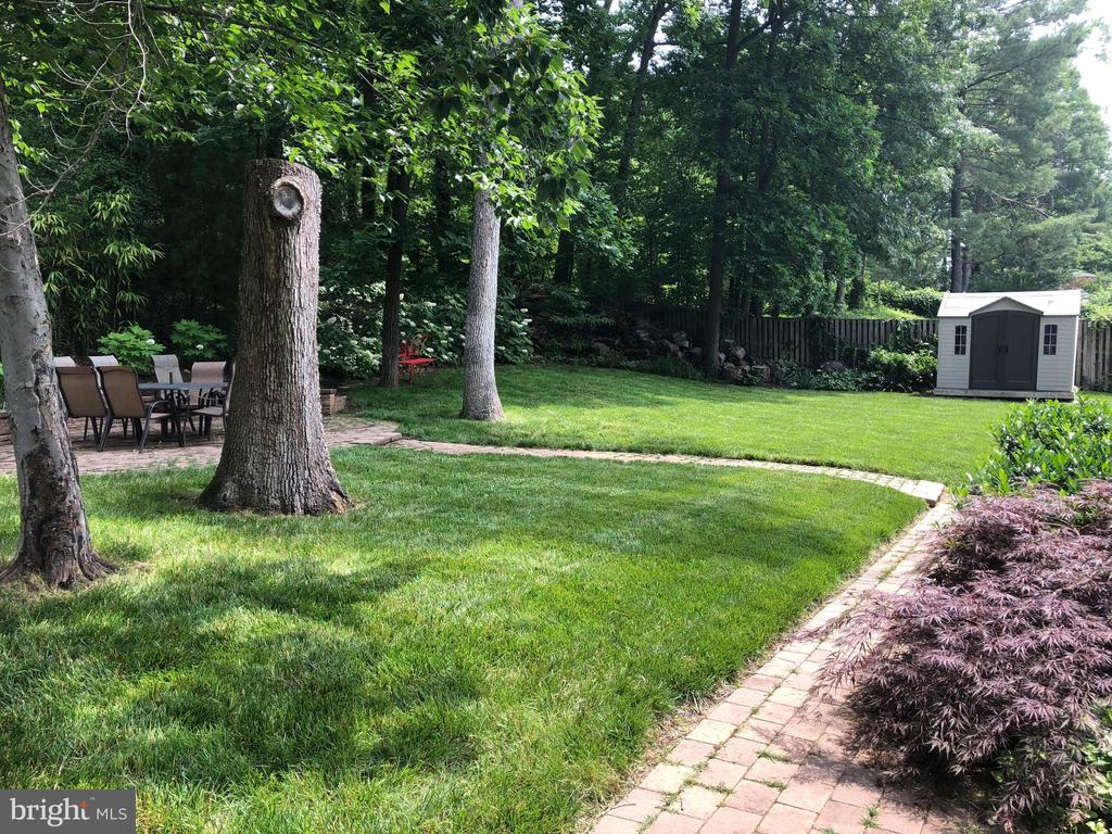 Yard showing Shed - 6036 OLD TELEGRAPH RD, ALEXANDRIA