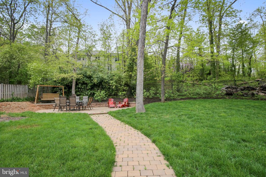 Patio and Mature Trees - 6036 OLD TELEGRAPH RD, ALEXANDRIA