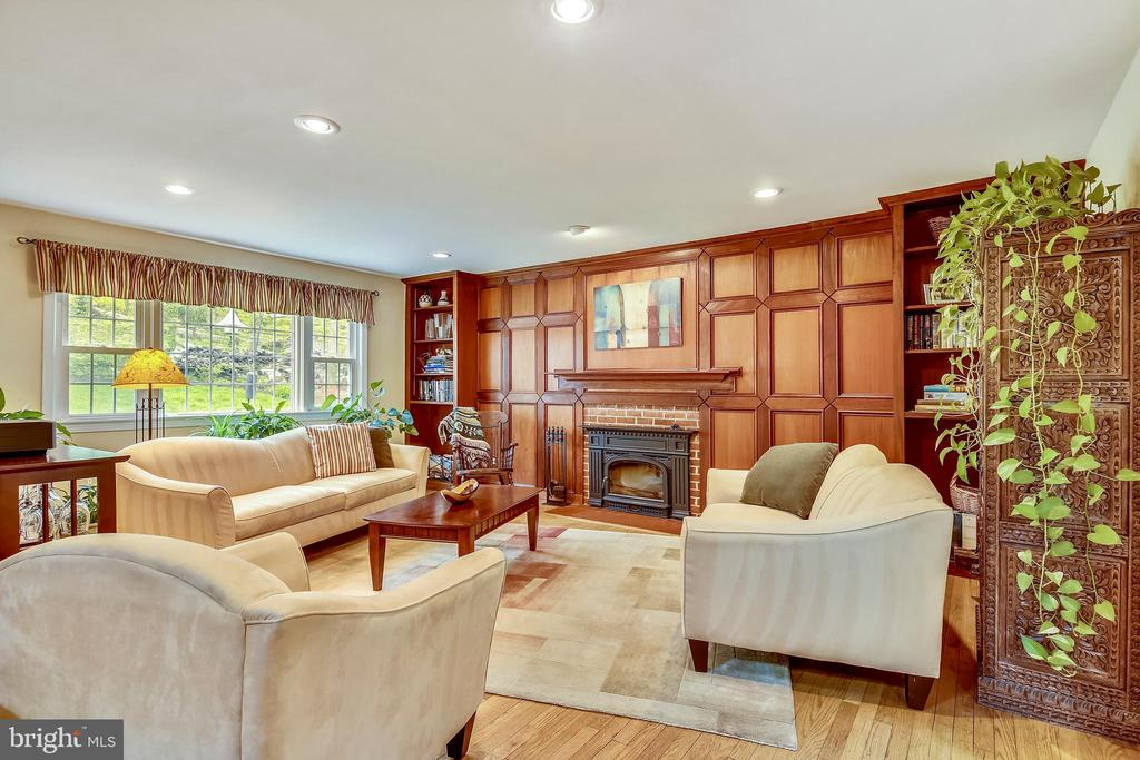 Living Room with Fireplace - 6036 OLD TELEGRAPH RD, ALEXANDRIA