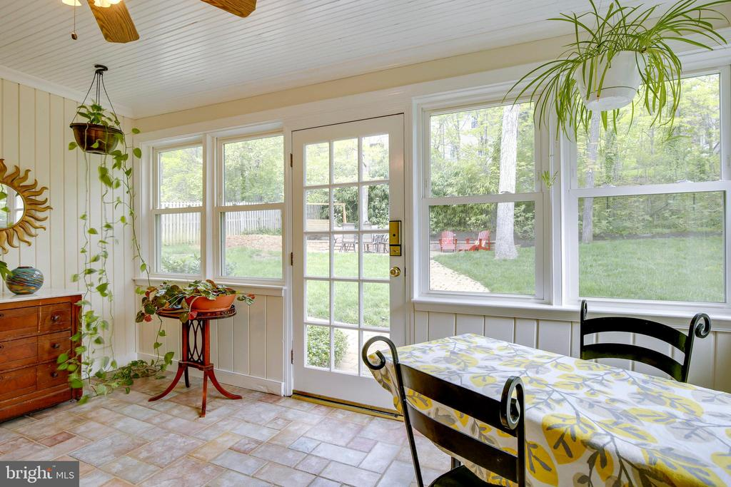 View 4 Sunroom with Table Space - 6036 OLD TELEGRAPH RD, ALEXANDRIA