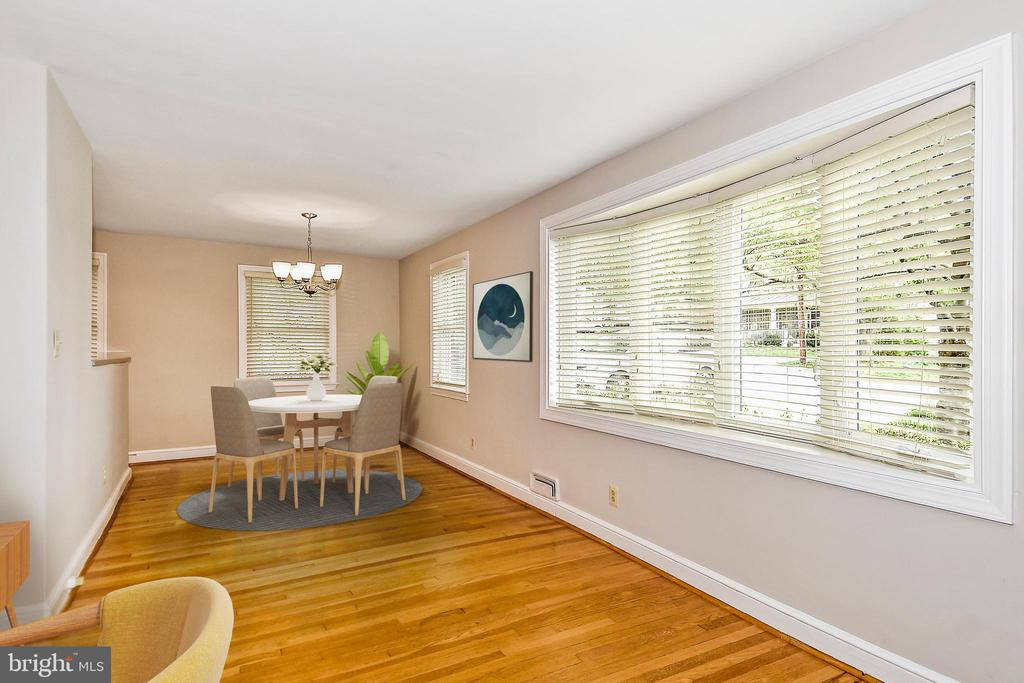 Dining Room Staged..Good windows, btw - 2446 N JEFFERSON ST, ARLINGTON