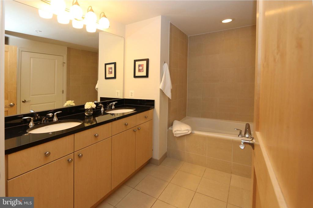 Double vanity with a granite top - 11990 MARKET ST #1403, RESTON