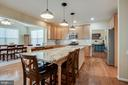 Wow -- 9 ft granite kitchen island, seating for 5 - 51 FOUNTAIN DR, STAFFORD
