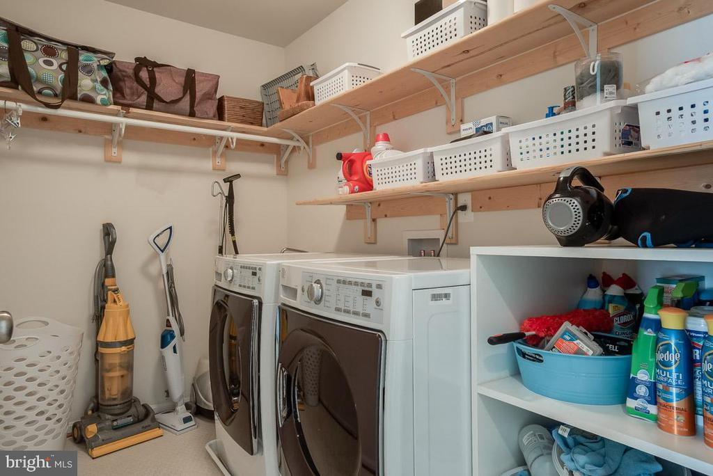 Convenience of laundry on upper level - 51 FOUNTAIN DR, STAFFORD