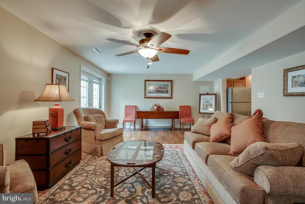LL living room, fans throughout the house - 51 FOUNTAIN DR, STAFFORD