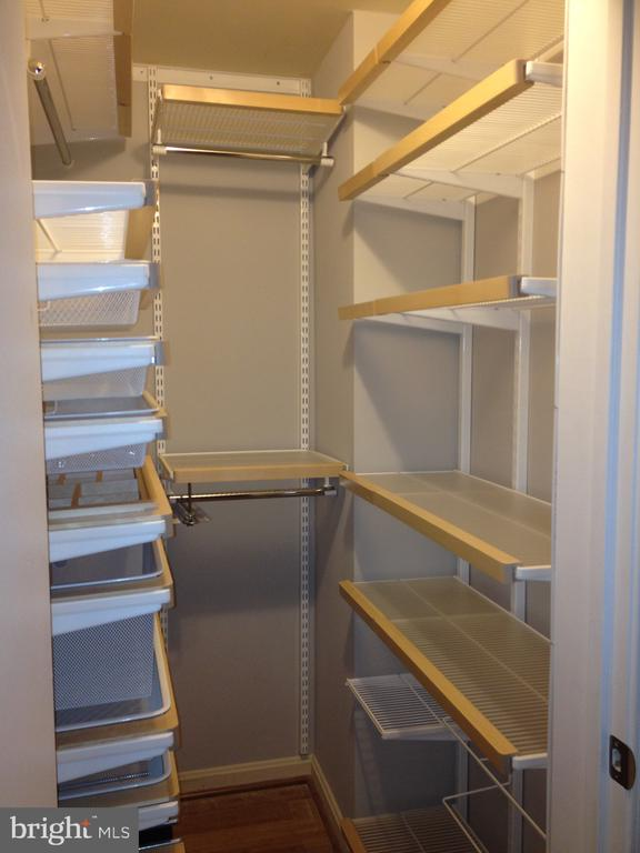 High-end closet organizers and walk in - 1810 KEY BLVD #9469, ARLINGTON