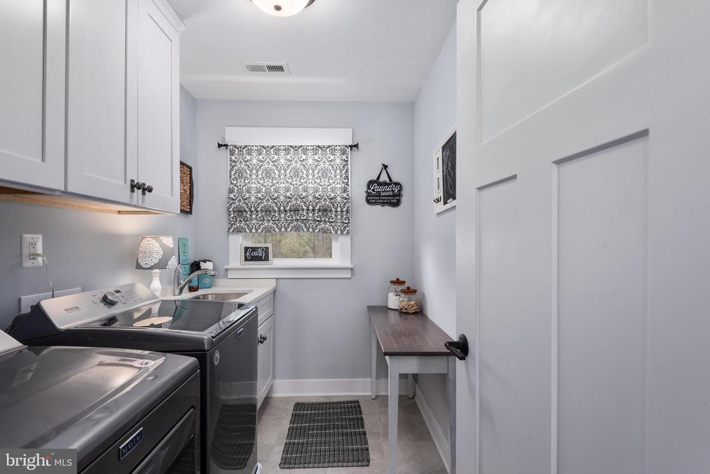 Laundry room w/ sink & soft close cabinets - 79 INDIAN POINT RD, STAFFORD