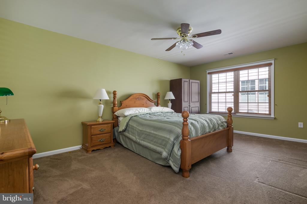 Bedroom 2- Spacious Upstairs Bedrooms - 20579 CRESCENT POINTE PL, ASHBURN
