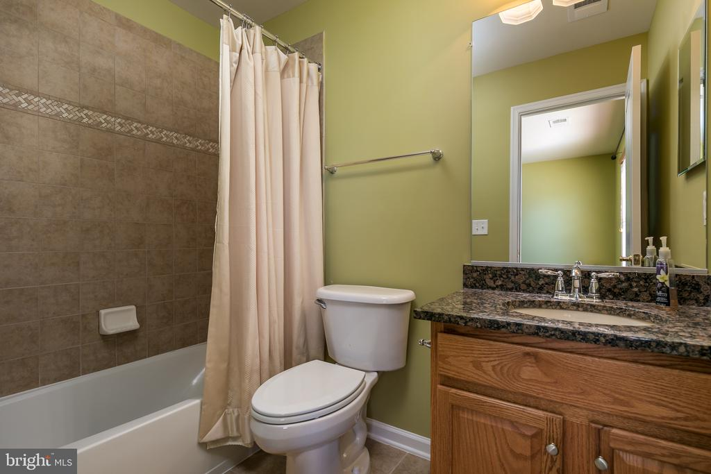 Upstairs Private Bath Bedroom #2 - 20579 CRESCENT POINTE PL, ASHBURN