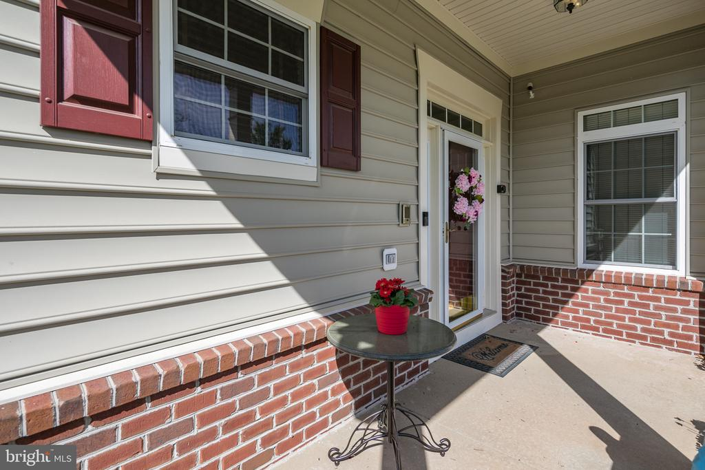 Front Porch to Enjoy the Summer Breezes - 20579 CRESCENT POINTE PL, ASHBURN