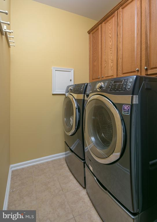 Laundry  Cabinets w/Front Loading Washer and Dryer - 20579 CRESCENT POINTE PL, ASHBURN