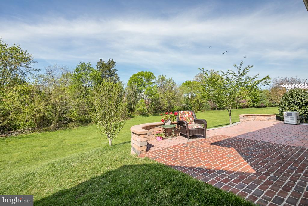 Full Length of Home Brick Patio - 20579 CRESCENT POINTE PL, ASHBURN